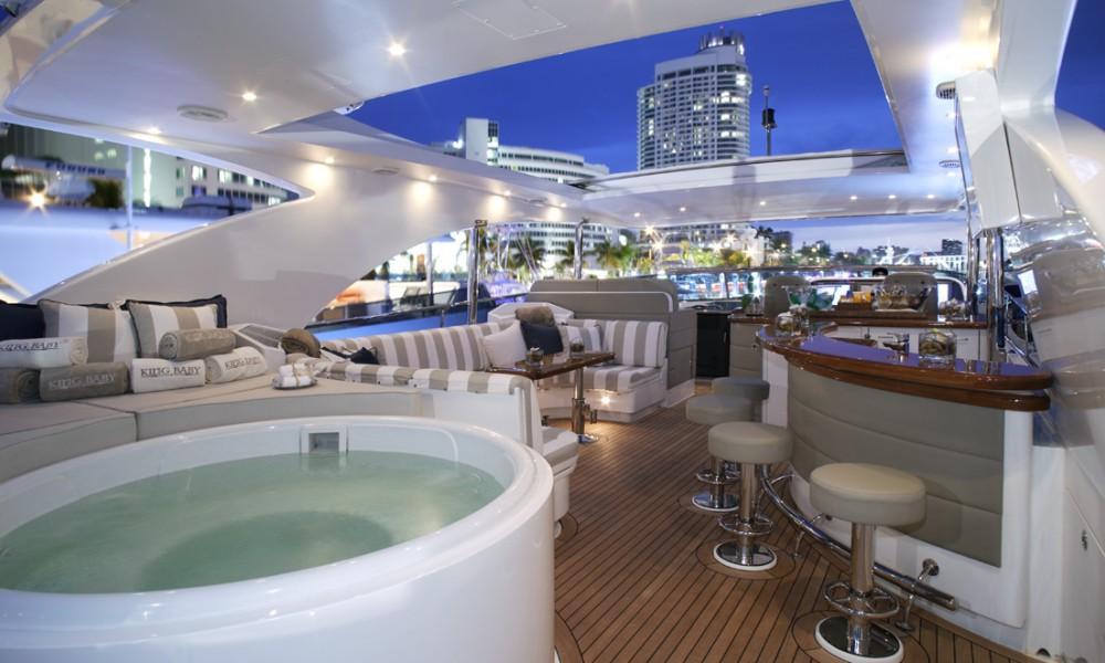 Yacht LA DOLCE VITA -  Sundeck Bar